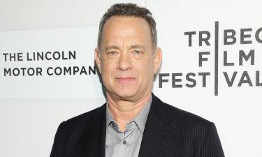 Tom Hanks: Μετά τον χαμό της μητέρας του βρίσκεται στην Αντίπαρο για να ξεχαστεί! (φωτό)