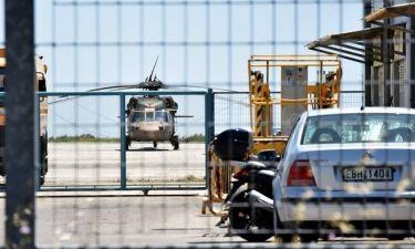 Στην Τουρκία το ελικόπτερο, στον Εισαγγελέα οι στρατιωτικοί