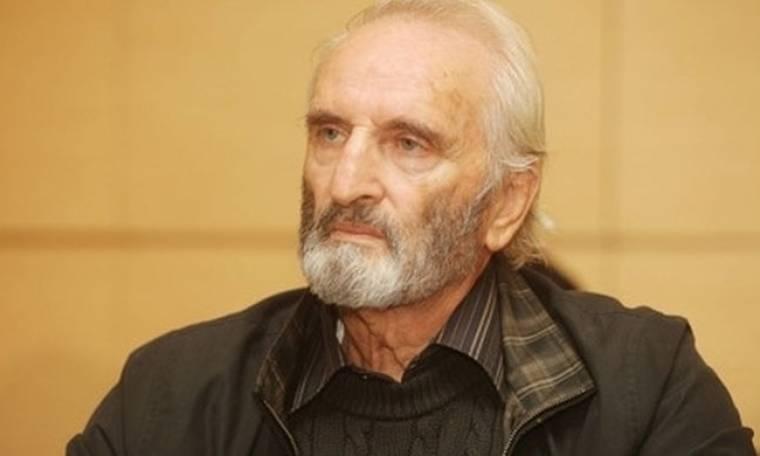 Σοκ:Στο νοσοκομείο ο Τσακίρογλου-Έσφιξε τα δόντια για να τελειώσει την παράσταση και μετά κατέρρευσε