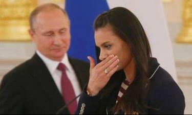 Όταν έκλαψε η Ισινμπάγεβα... μπροστά στον Πούτιν (vid)
