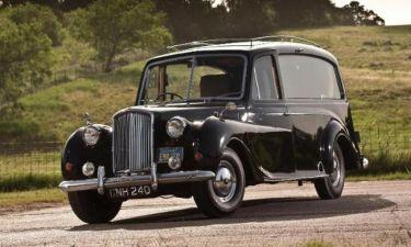 H Austin Princess του Lenon αναμένεται να πιάσει… 315.000 ευρώ!