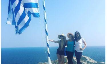 Η Kate Hudson με την ελληνική σημαία