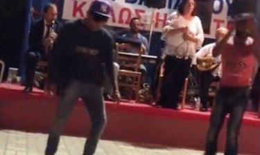 Δεν υπάρχει! Χόρεψε… break dance με κλαρίνο! (video)