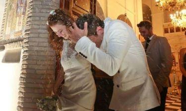 Λαμπερό ζευγάρι παντρεύτηκε στην Αμοργό (φωτό)