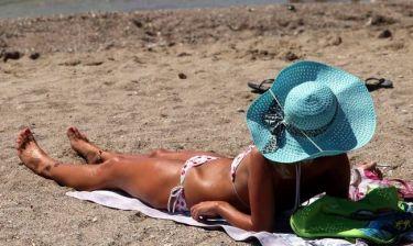 Επτά μύθοι για τον καλοκαιρινό ήλιο