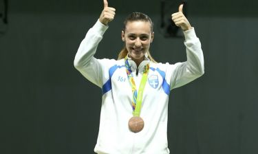 Άννα Κορακάκη: Ξέσπασε η μάνα της Ολυμπιονίκη στη σκοποβολή: «Προπονείται σε νταμάρια»