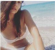 Μαρία Κορινθίου: «Κόβει ανάσες» με το σέξι μπικίνι της