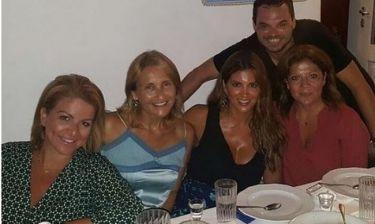 Σταματίνα Τσιμτσιλή-Μάρα Ζαχαρέα:Βραδινή έξοδος με φίλους