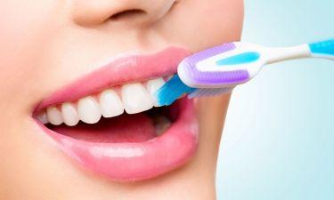 Πώς συνδέεται το βούρτσισμα των δοντιών με τον καρκίνο του εντέρου