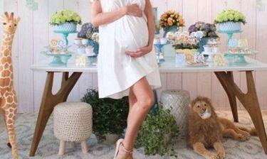 Έκανε το baby shower και αποκάλυψε το όνομα που θα δώσει στον γιο της η...