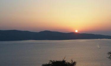 Με θέα το ηλιοβασίλεμα της Κεφαλονιάς