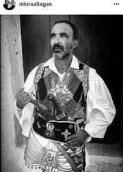 Νίκος Αλιάγας: Με παραδοσιακή στολή του Μεσολογγίου στο instagram
