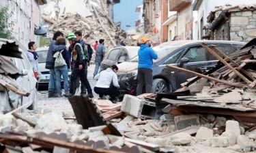 Ιταλία: Καταστροφικός σεισμός - Ξεπέρασαν τους 20 οι νεκροί (vid & pics)