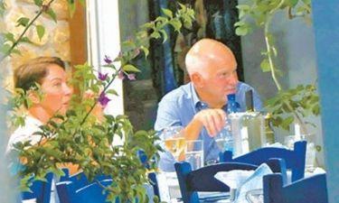 Γιώργος Παπανδρέου: Στη Σκιάθο με την Ολλανδέζα του