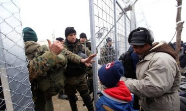 Προκλητικός ο Γερμανός υπουργός Εσωτερικών: «Πίσω στην Ελλάδα οι πρόσφυγες»