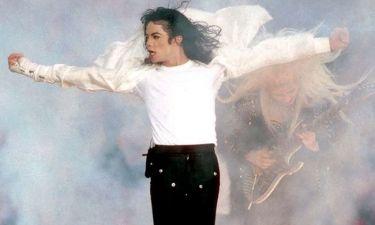 Είναι ο Michael Jackson ζωντανός; Δες τη φωτογραφία που κάνει το γύρο του διαδικτύου