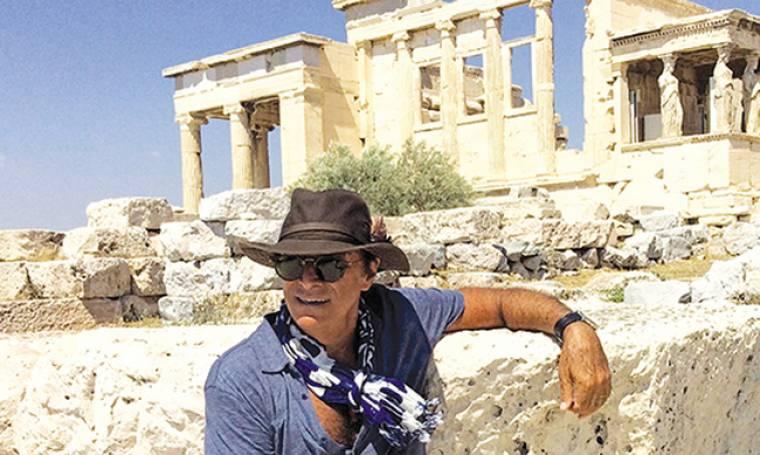 Τεό Πένγκλις: «Όταν βλέπω Έλληνες νομίζω, πως όλοι τους είναι συγγενείς μου»