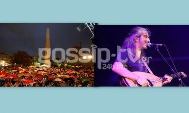 Η συναυλία του Γιάννη Χαρούλη υπό βροχή!