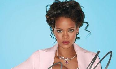 Ένα κακό κορίτσι γίνεται βασίλισσα: Η σέξι Rihanna προκαλεί και φωτογραφίζεται ως Μαρία Αντουανέτα