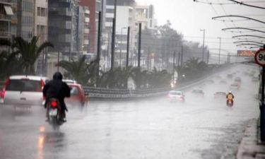 Σφοδρή βροχόπτωση στην Αττική