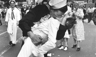 Έφυγε από τη ζωή  το κορίτσι της Times Square – Το θρυλικό φιλί έγινε σύμβολο