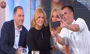 Τσικρίκα: H selfie με την Τατιάνα και το παρασκήνιο πριν την επίμαχη ερώτηση στον Τσίπρα