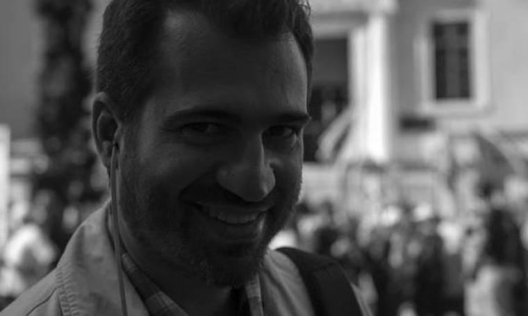 Λάμπρος Χαβέλας: Κηδεύεται αυτή την ώρα ο δημοσιογράφος που «έχασε» τη ζωή του σε τροχαίο