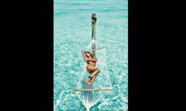 Ο γυμνός αποχαιρετισμός της Isabeli Fontana στο καλοκαίρι 2016