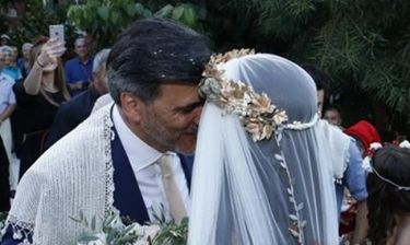 Δεν θα πιστεύετε ποια ηθοποιός παντρεύτηκε στην Κρήτη χθες το απόγευμα κάτω από άκρα μυστικότητα