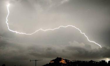 Αγριεύει ο καιρός από Δευτέρα: Έρχονται βροχές, καταιγίδες και χαλαζοπτώσεις