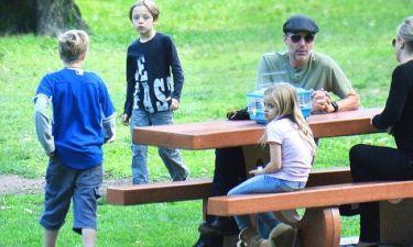 Jolie – Pitt: Οι πρώτες φωτογραφίες των παιδιών τους μετά την είδηση του διαζυγίου