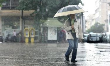 Χαλάει ξανά ο καιρός - Πού θα βρέξει τη Δευτέρα (26/9)