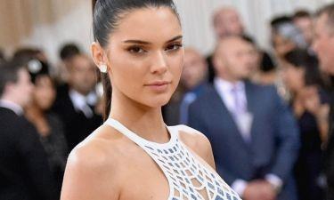 Kendal Jenner: «Σφάζονται»… clubs στα πόδια της