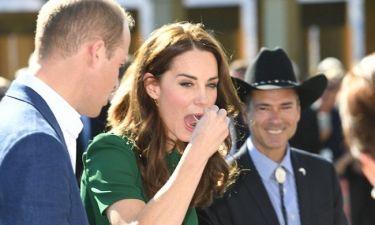 Kate-William δοκιμάζουν θαλασσινά σε σχήμα… φαλλού!