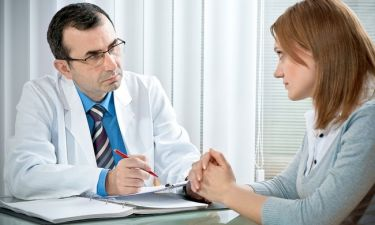 Καρκίνος εντέρου: Τα σημάδια που ξεφεύγουν από τους γιατρούς και κοστίζουν ζωές