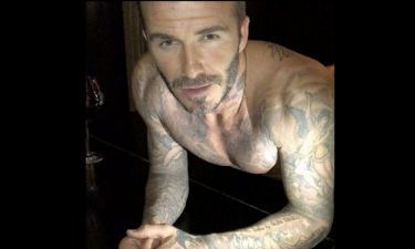 Θα τρελαθείτε! Δείτε τον Beckham να κάνει… push ups γυμνός πάνω σε πιάνο!