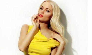 H Δούκισσα Νομικού σου μαθαίνει πώς να διαλέξεις το χρώμα που σου ταιριάζει για τέλεια ξανθά μαλλιά