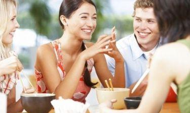 Διατροφή και εφηβεία: Τι πρέπει να τρώνε οι έφηβοι καθημερινά