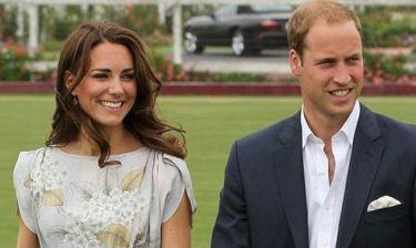 Κακοντυμένος ο Πρίγκιπας William: «Μοιάζει με μεσίτης και όχι με μελλοντικός βασιλιάς»