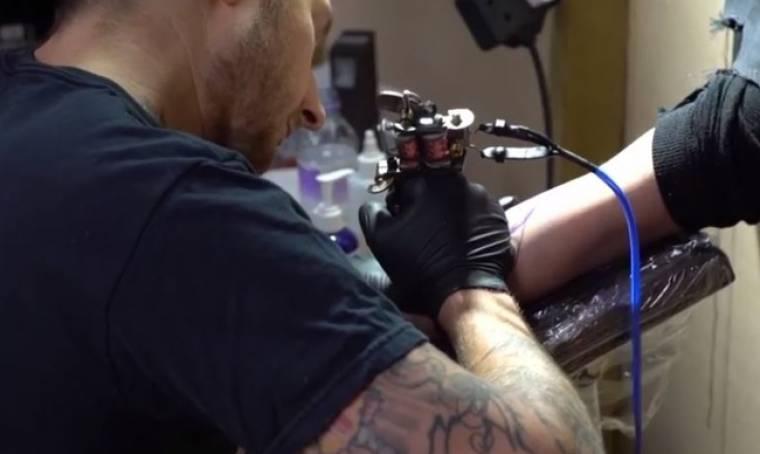 «Χτύπησαν» tattoo χωρίς να ξέρουν το σχέδιο