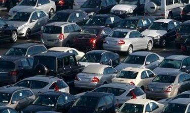 Τέλη κυκλοφορίας: Τι ετοιμάζουν για τα αυτοκίνητα πριν από το 2005