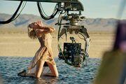 Η Charlize Theron α λα Ιησούς Χριστός  σε διαφήμιση