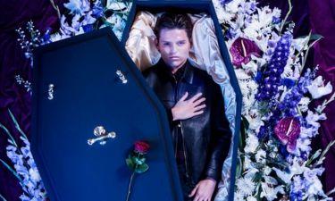 Απίστευτο κι όμως αληθινό! Βρετανικό οίκος μόδας λανσάρει κολεξιόν για νεκρούς