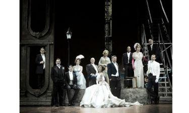Ανεβαίνει ξανά στο θέατρο το έργο «Ωραία Μου Κυρία»