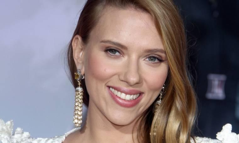 H πρωτότυπη επιχείρηση της Scarlett Johansson – Θα σερβίρει ποπ κορν