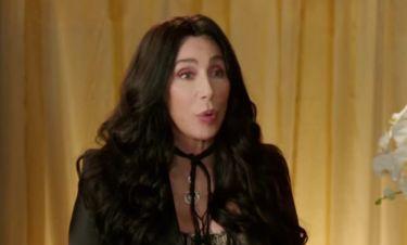 Cher: «Κοιτάζω στον καθρέφτη αυτή τη γριά γυναίκα που με κοιτά…»