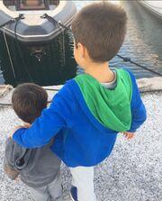 Η Σκορδά στο Πρωινό και ο Λιάγκας με τους γιους του στη θάλασσα (φωτό)