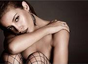 H topless φωτογραφία της Φουρέιρα στο Instagram