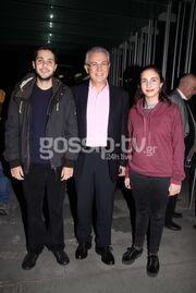 Θοδωρής Ρουσόπουλος: Στο θέατρο με τα παιδιά του