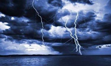 Προσοχή: Η ΕΜΥ προειδοποιεί για έντονα φαινόμενα – Τι καιρό θα κάνει το τριήμερο της 28ης Οκτωβρίου